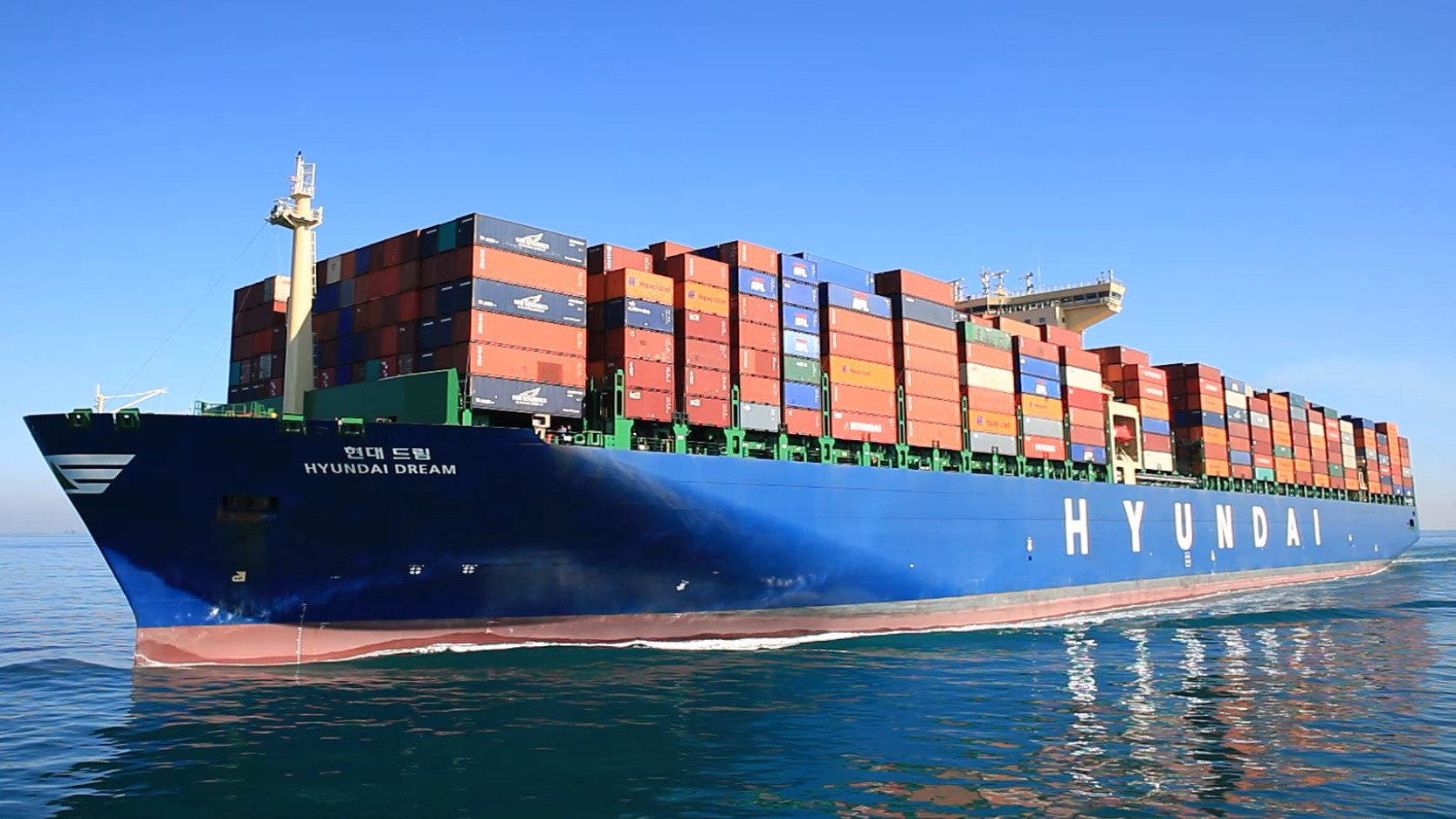 HMM increasing capacity after Ocean and THE Alliance expansion on Asia North Europe trade